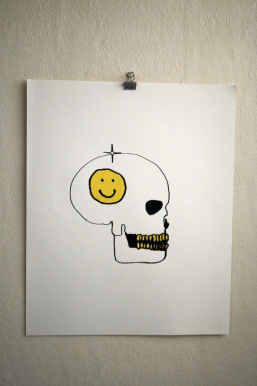 "PRINTS 4 SALE ON ETSY  By: 31 COLOURS  ""Smiley face skull"""