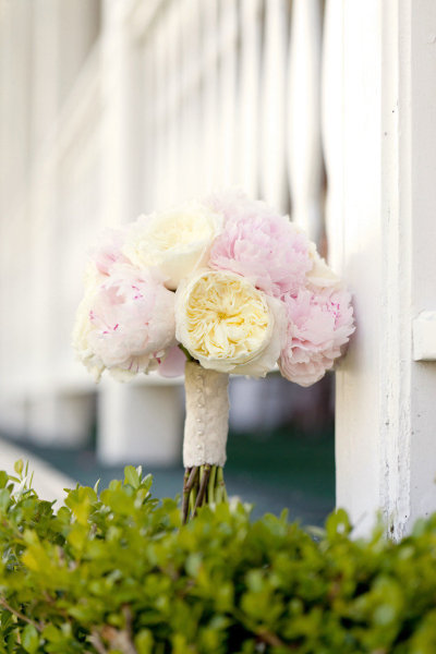 Absolutely love peony bridal bouquets