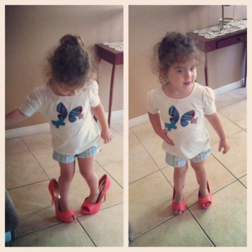Gah, I love her 💜👠 #littlegirl #younglady #littlelady #adorable #heels #coral #highheels #shoes #pose #instacute #iphoto #iphone4 #instagood #instamood #instamoment #instalove #instashot #instaphoto #instabeauty #instafashion #sotd (Taken with Instagram)
