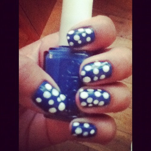 Essie's Mezmerize and then white polka dots. :D Summery, yea!?