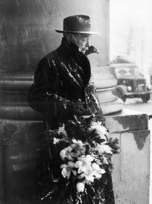 Toni Schneiders A dreary day in 1955 Thanks to firsttimeuser