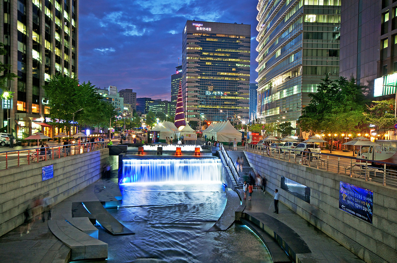 Cheonggyecheon Stream By far the best shot I've taken of the Cheonggyecheon. Ended up on the cover of SEOUL Magazine.