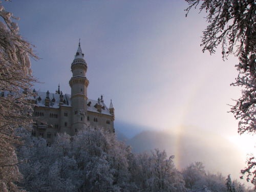 allthingseurope:  Neuschwanstein, Germany (by klg1309)  this is beautiful