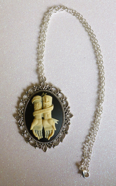 "calamityjaynedesigns:  No Regrets Necklace This is a larger size Cameo & setting on a silver plated 18"" chain http://www.etsy.com/shop/CalamityJayneDesigns"