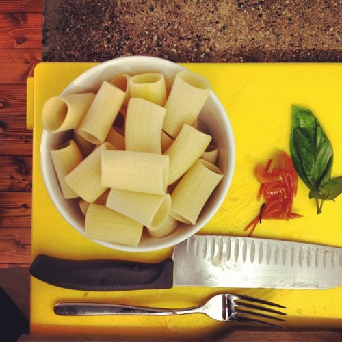 Mezzi paccheri rigati… Are you ready? (Scattata con Instagram presso Gnam Box Kitchen)