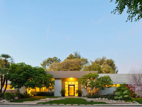 Newly renovated house in Beverly Hills,  that was designed by William Stephenson in 1956. Buy it now!