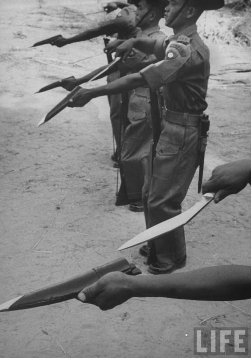 vietnamization:  Gurkha in Nepal train with the Khukuri, 1947.