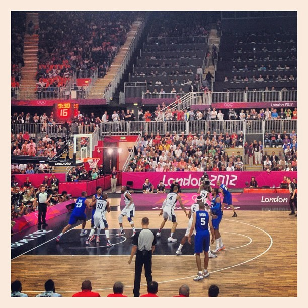 Watching the Dream Team 2012 official debut w/ @jjlilhefe #london2012  (Taken with Instagram at London 2012 Basketball Arena)