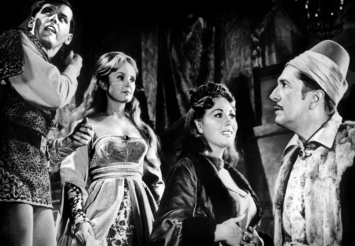 Vinnie and the cast of The Raven (1963)