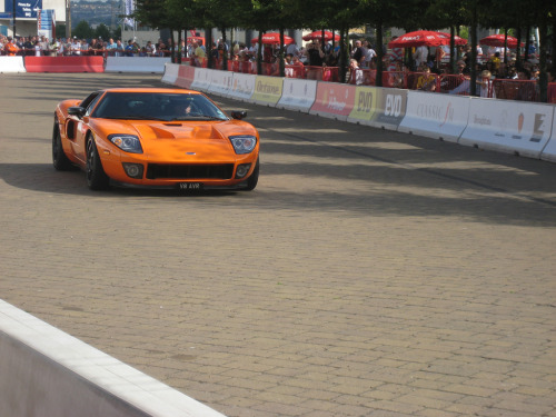 The marathon Starring: Ford GT (by Paulo12893)