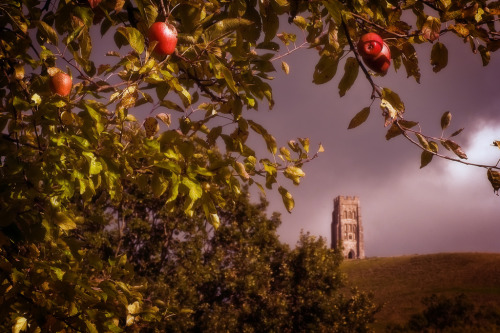 sitasays:  Glastonbury Tor (by Graham M Green)