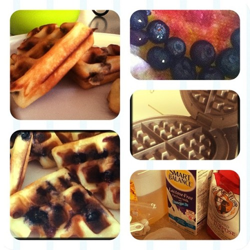 #nomnom #waffles #blueberries #turkeysausage #sunday #breakfast (Taken with Instagram)