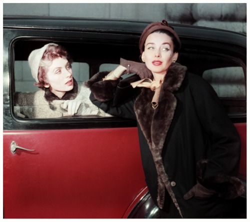 Suzy Parker and her sister, Dorian Leigh, Paris, 1953 Photo by Georges Dambier