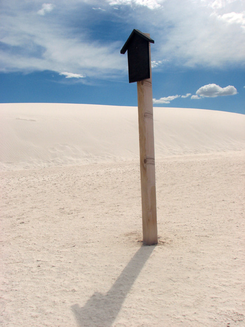 It's easy to lose your bearings in a sea of white, so here's a signpost to help you find your way back.