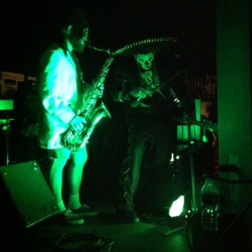 Another shot of #thecreepycreeps with the #saxophone playing #creepanzee at the #concert after the races ——————————————— ———————————————— - #ford #hotrod #ratrod #car #chevy #girls #rusty #patina #metal #igerssandiego #sandiego #california #mopar #musclecar #barona #baronadragstrip #dragracing #drags #eighthmile #kingofclubs #burnout #burlesque #bands #music #punk #rockabillyroadtrip  (Taken with Instagram)