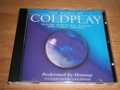 OMG I LOVE MY COUSIN HE GAVE ME TODAY THIS CD WITH COVERS OF COLDPLAY'S SONGS !!!!