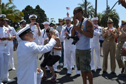 angieiswierd:  buttlid:  uchihanezumi:  lgbtqgmh:  [Image is of a US Navy sailor in full uniform on one knee, proposing to his boyfriend]    all the supporters in that pictuRE OH THE FEELS  THE CUTENESS LEVEL OF THIS IS ASDFGHJKL!