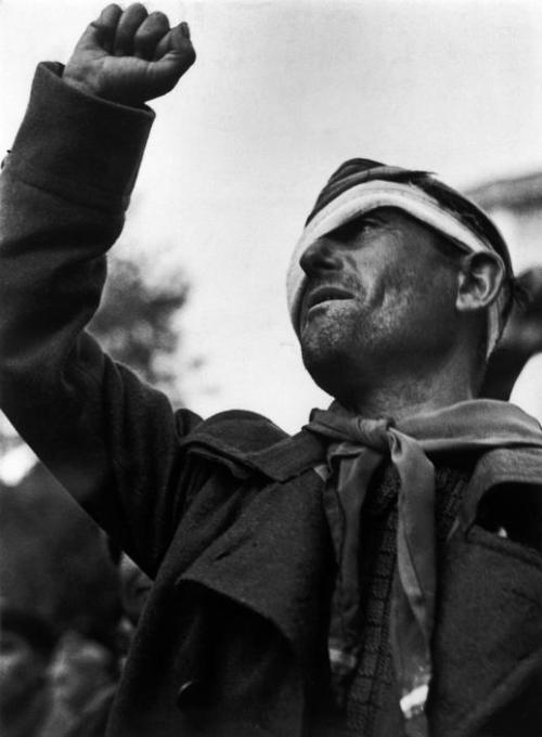 Robert Capa, Bidding farewell to the International Brigades, Barcelona, 1938.