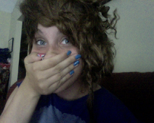 omfg this is the grossest my hair has ever been what has happened ommfg