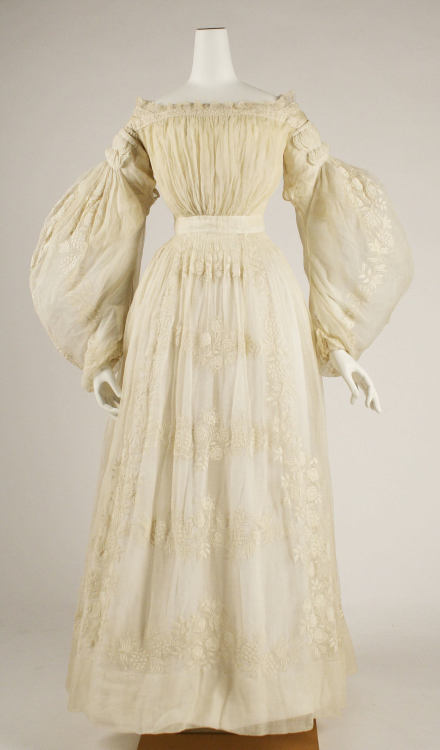 1837 French cotton wedding dress. From the Metropolitan Museum, Costume Institute.