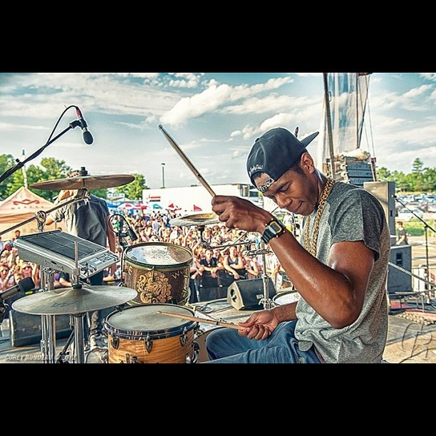 Dope shot of me drumming on the Vans Warped tour by the homie @coreyrondeau #Freshestdrummeralive  (Taken with Instagram)