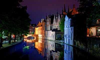 bluepueblo:  Evening Lights, Bruges, Belgium photo via fyeurope