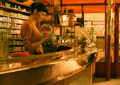 fashion-and-film:  Le fabuleux destin d'Amélie Poulain (2001)