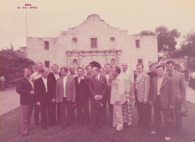 lightthiscandle:  The Apollo-Soyuz delegation visits the Alamo, 1974. Check out Stafford's checkered pants and Slayton's cowboy hat.  I WOULD ROCK THOSE PANTS. GOOD CHOICE, TP