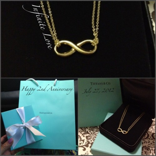 His #anniversary #gift to me.. Just got to #love #Tiffany&Co #infinite #infinity #necklace #gold #18k  (Taken with Instagram)