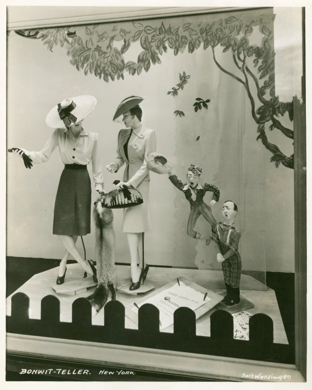 hollyhocksandtulips:  Bonwit Teller store window, New York, 1940s