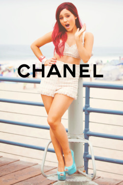 chanel-supreme:  chanel-supreme:  I never thought i would get this much notes! xox :O  THE NOTES <3333333