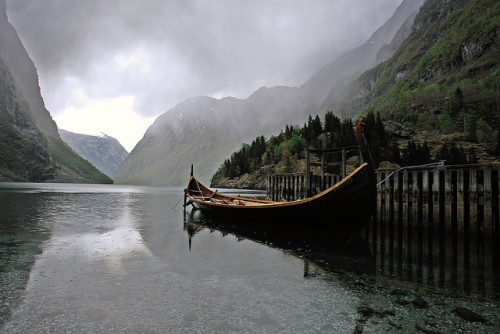 ghost-man-blues:  Viking longship docked at Nærøy Fjorden