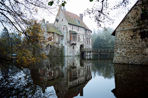 deutschland-germany:  Burg Vischering - Lüdinghausen - North Rhine-Westphalia - Germany