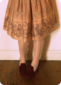 teachingliteracy:  book skirt. by petite-dieu  Velvet shoes…