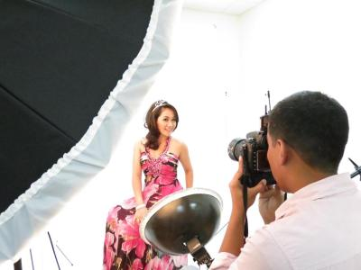 misscambodia2013:  Here is a preview from today's photo shoot at Nathyn Kheang Studio in Signal Hill, California. Come back tomorrow for more exclusive photos <3 Photo: Sotheara Chhay
