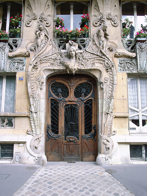 visitheworld:  Art-Novueau doorway on Avenue Rapp, Paris, France (by stevecadman).