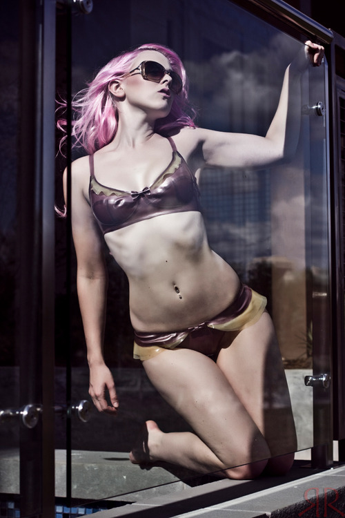 Model Samantha Knight wearing the Vanessa Wave Bra and Panty by the poolside in an awesome photo by the mega talented RedRum Collaboration!