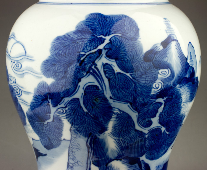 QING DYNASTY BLUE AND WHITE PORCELAIN Zun VASE (detail)