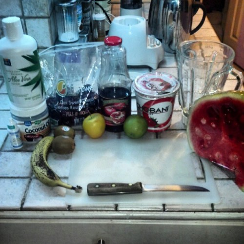 Making a #smoothie when i should be sleeping #summer #fruit  (Taken with Instagram)