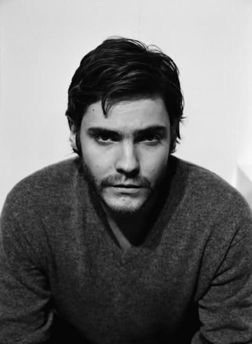 82/100 Pictures of Daniel Brühl [x]