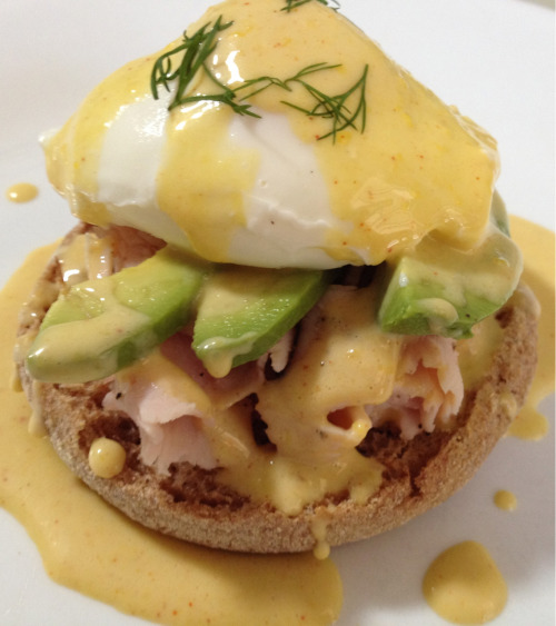 Handcrafted California style eggs benedict made with a whole wheat English muffin, turkey breast, avocado, a free range poached egg, my cayenne hollandaise, and garnished with a bit of fresh dill - Enjoyed for breakfast with my old college roomie.