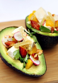 California avocado with chicken, radish, almonds and mangoes