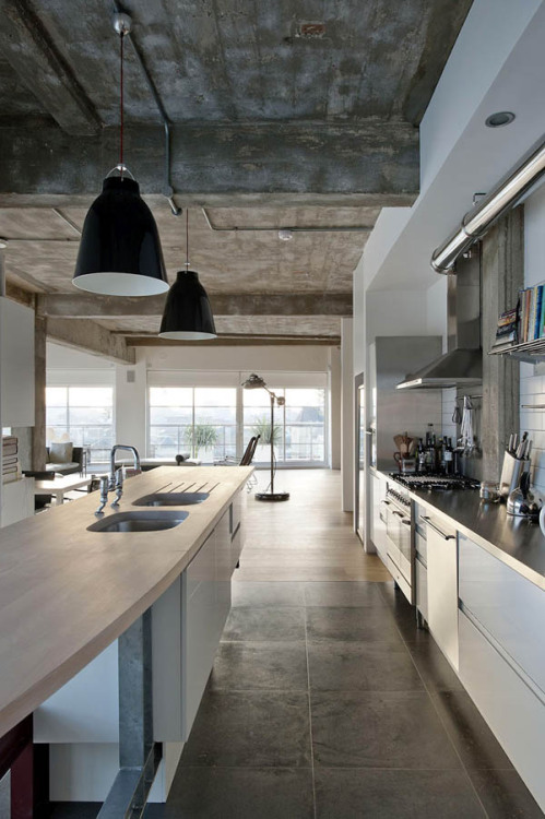 Industrial space transformed by London-based architect William Tozer