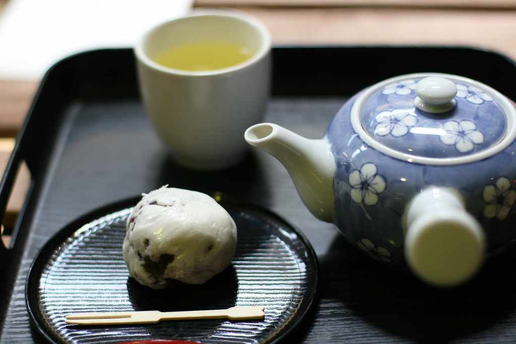 Kissako Tea (by shinzui) with wagashi