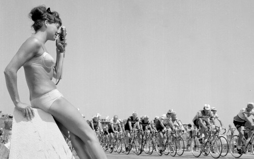 bicyclestore:  Bords de route - Tour de France (Photo: Le Coq Sportif)
