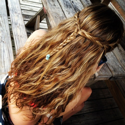 ASDFGHJKL; HER HAIR IS PERFECT