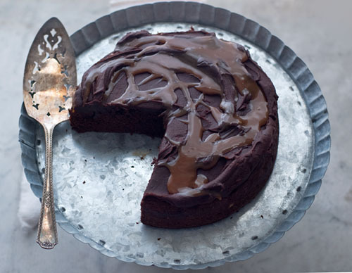 gastrogirl:  chocolate ricotta fudge cake with beer caramel.