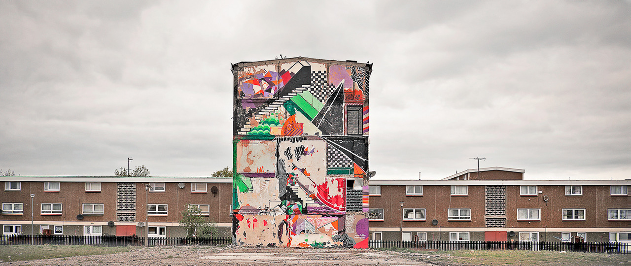 "Muirhouse, Edinburgh.  Mural created in 2010 by Clemens Behr for the ""Your New Home"" project by  North Edinburgh Arts Centre group. Picture was taken in 2011.  http://www.clemensbehr.com/"