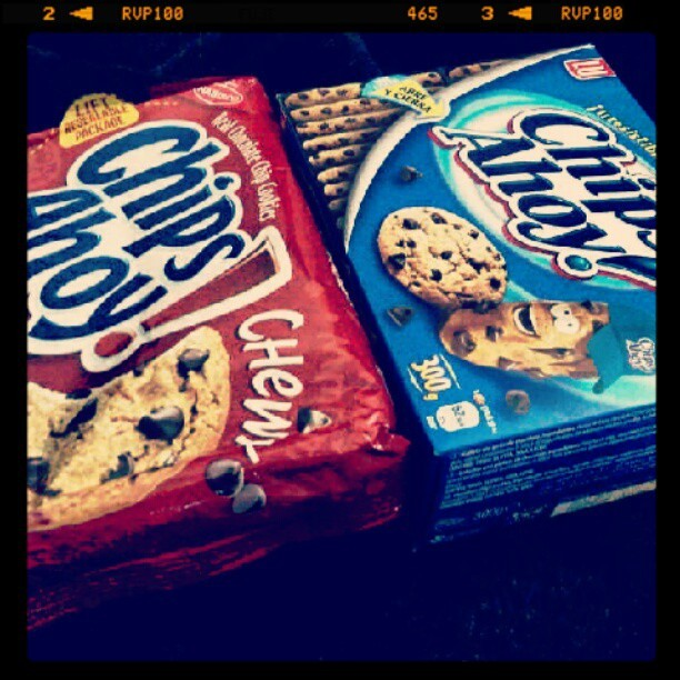 Chips ahoy, chewy & not so chewy lol ! #chipsahoy #chewy #original #cookies (Taken with Instagram)