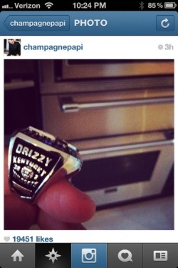 hiphoponly:  Drake Gets NCAA Championship Ring